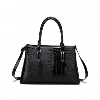 Beautiful Stripe Pattern Shoulder Handbag